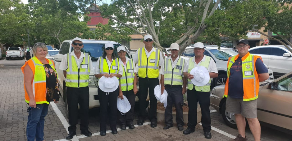 car_guard_hat_donation-zambesi_junction_south